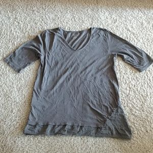 Eileen Fisher t w/ unique hemline😍